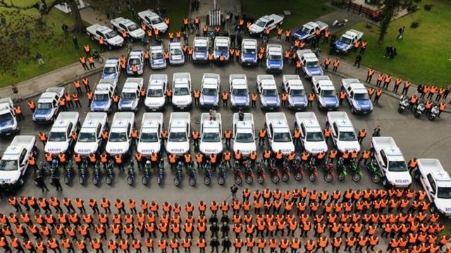 Scioli comenzó a poner patrulleros en los municipios