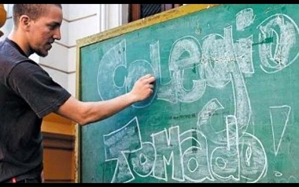 Reunión clave por la toma de los colegios