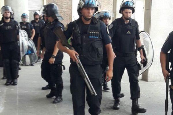 Despidos masivos, patotas sindicales y militarización en el Hospital Posadas